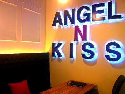 Angel_Table.JPG