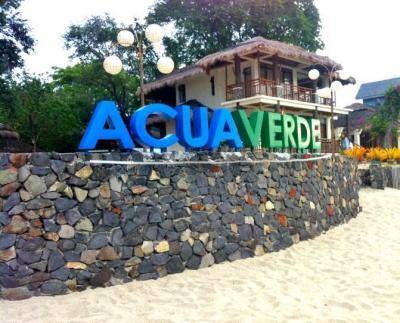 Acua_Beach.JPG