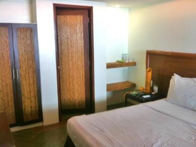 Aqua_Room.JPG