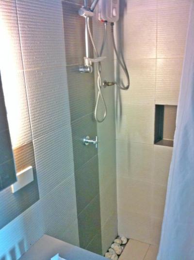 Aqua_Shower.JPG