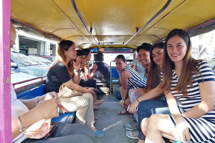 フィリピン人の方々